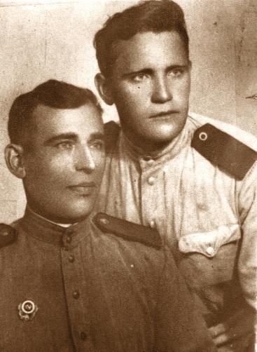 Башкатов Василий Фёдорович (справа) 1913-1957